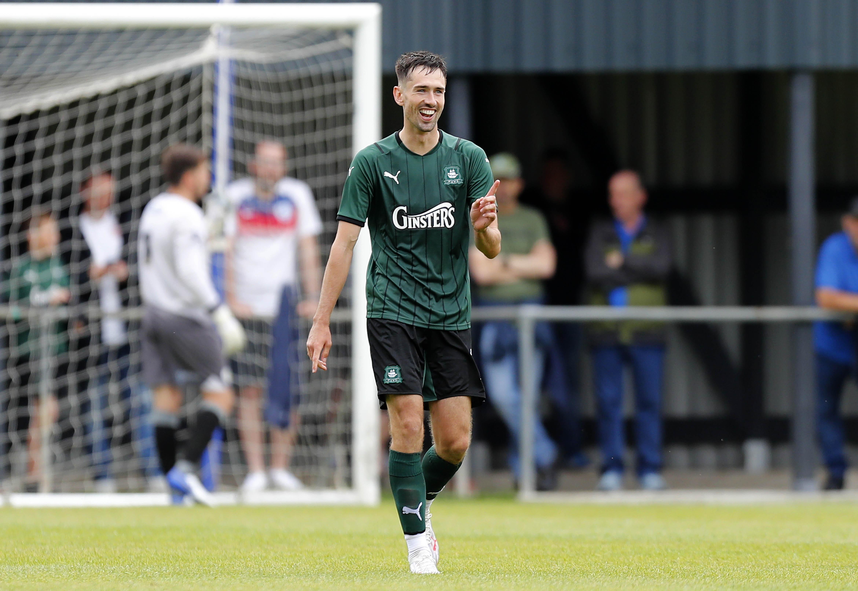 Ryan Hardie celebrates goal