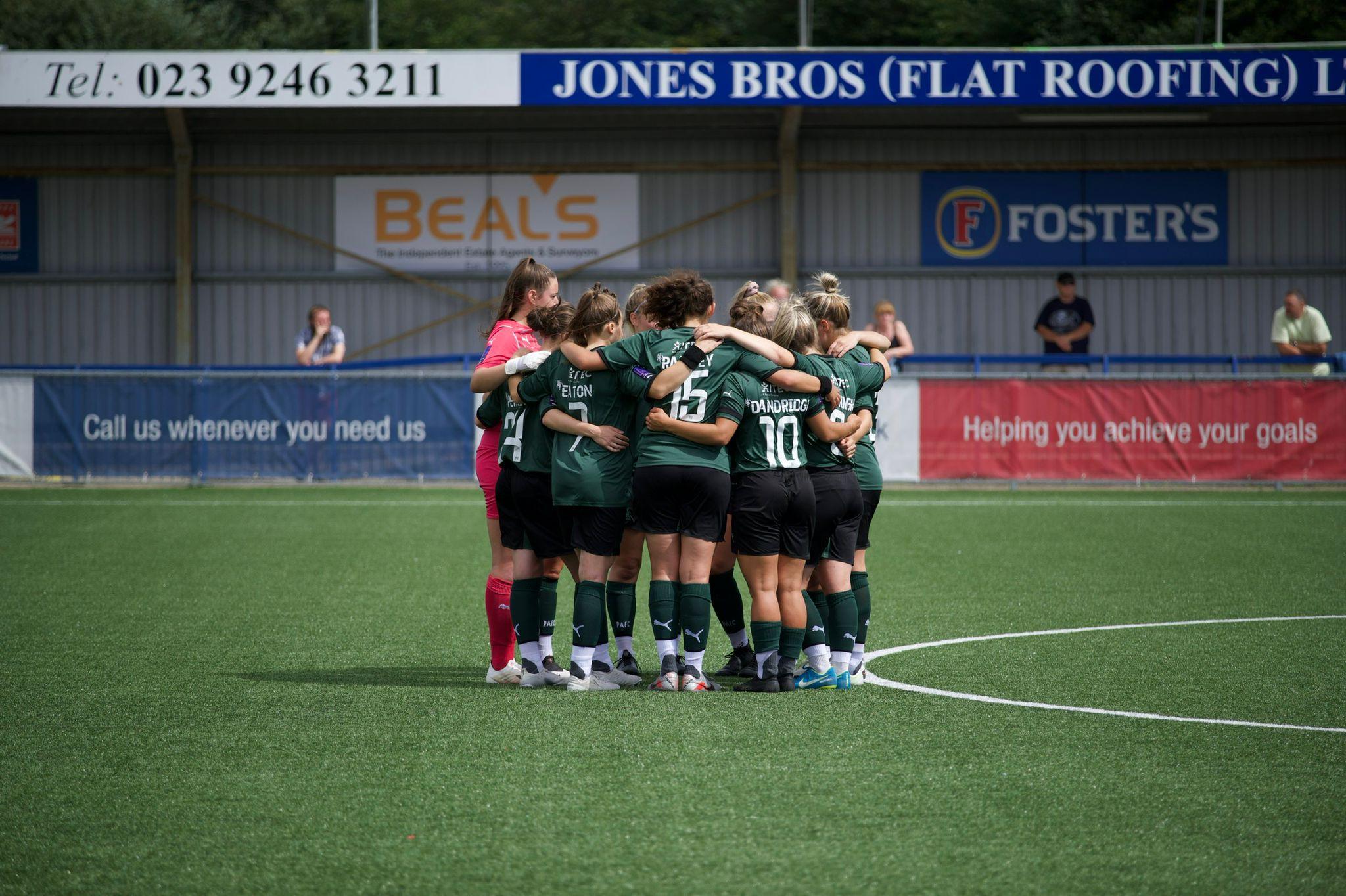 Argyle Women Huddle Prior to Portsmouth Away Fixture